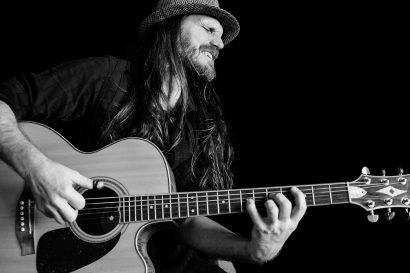 Peter Luha – Klema guitar